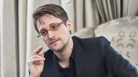 Edward Snowden vende NFT e arrecada US$ 5,5 milhões para ONG Freedom of the Press Foundation