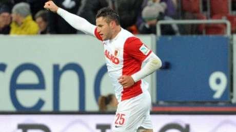 Bobadilla atuando pelo FC Augsburg (ALE). Foto: AFP