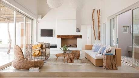 27. Modelo de sofá de vime elegante para sala de estar. Fonte: Westwing