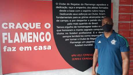 O ex-lateral Gilberto, agora coordenador nas categorias de base do Flamengo (Foto: Ian Sena/Flamengo)