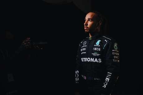 Lewis Hamilton ainda recebe o melhor salário da F1