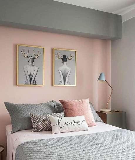 31. Decoração moderna de quarto de mulher cinza e rosa – Foto: Pinterest