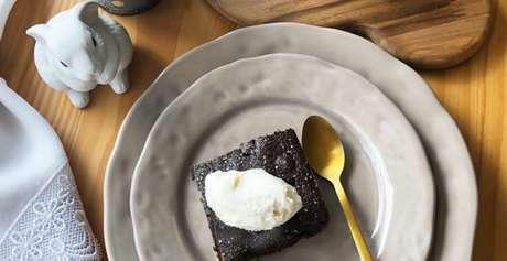 Guia da Cozinha - Brownie com avelãs fácil e saboroso