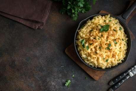 Guia da Cozinha - Receita prática de Mac'n Cheese: um macarrão com queijo delicioso