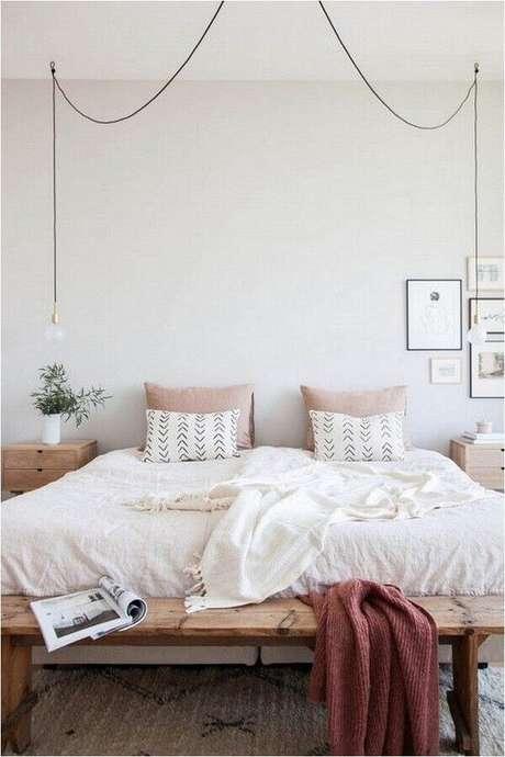 3. Decoração minimalista para quarto de mulher – Foto: Mushka Bazar