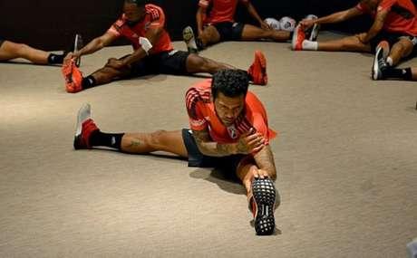 Elenco do São Paulo precisou treinar no hotel em que está hospedado (Foto: Reprodução/Twitter @SaoPauloFC)