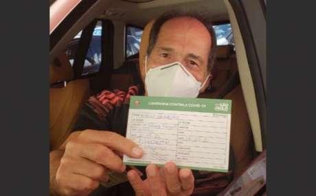 Muricy após ser vacinado contra a Covid-19 (Foto: Reprodução/ Instagram @saopaulofc)