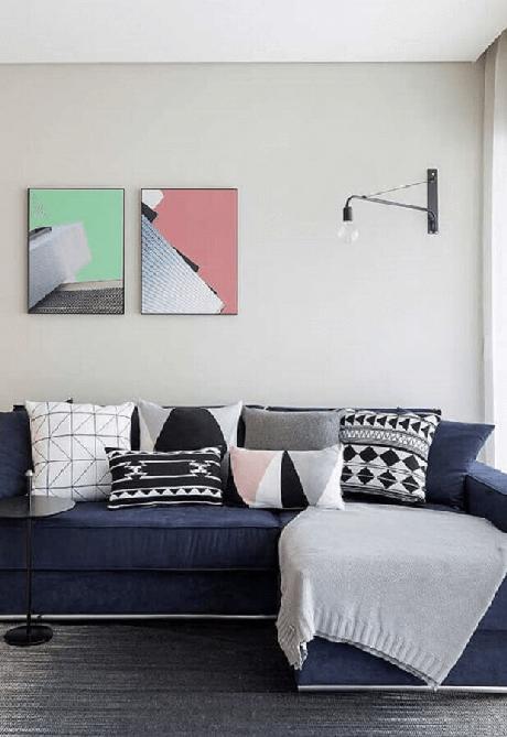 10. Almofadas para sofá azul marinho – Foto Pinterest