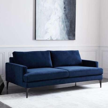60. Sofá azul marinho pequeno – Foto Pinterest