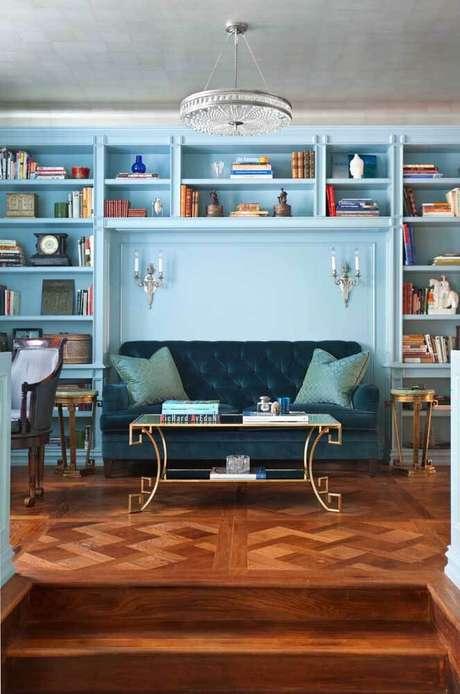 17. Sala azul clara com sofá azul marinho – Foto Pinterest