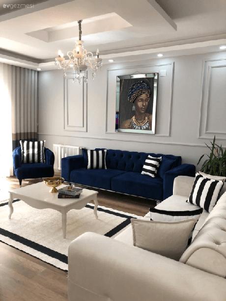 14. Conjunto de sofá azul marinho e poltrona da mesma cor – Foto Pinterest