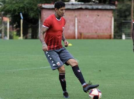 Zagueiro foi contratado para a disputa do Paulistão (Divulgação / Botafogo-SP)