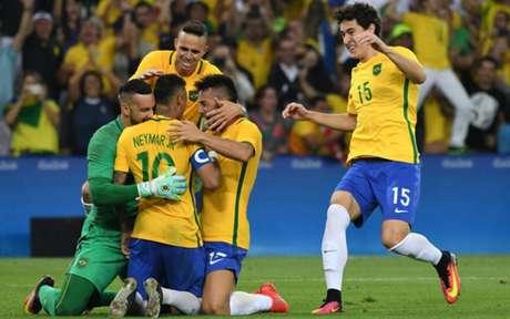 Brasil é atual campeão olímpico no masculino (Foto: AFP)