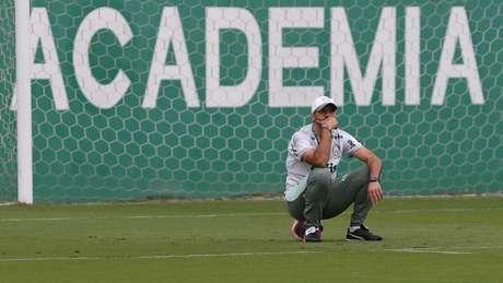 Abel Ferreira durante treinamento na Academia de Futebol (Foto: Cesar Greco/Palmeiras)