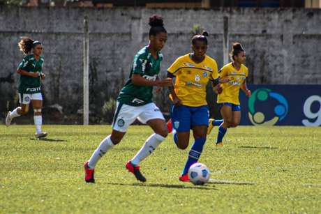 Palmeiras e Avaí/Kindermann em disputa pelo Brasileirão Feminino (Foto: Andrielli Zambonin/Avaí Kindermann)