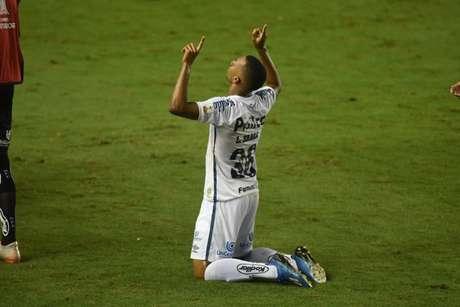 Lucas Braga soma oito jogos e dois gols na atual temporada (Foto: Reprodução)