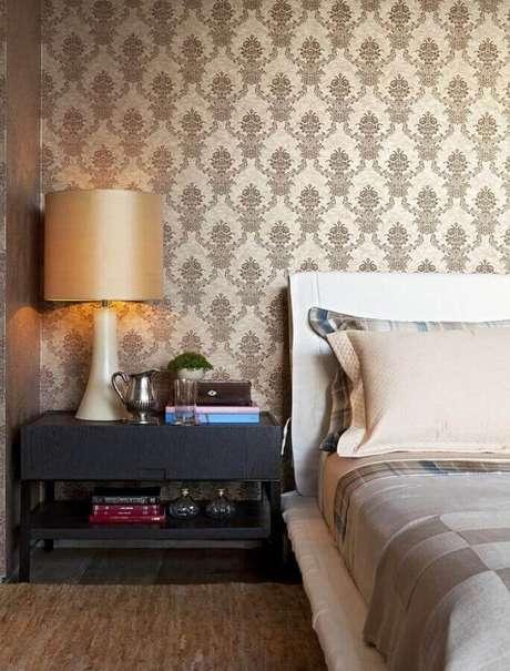 4. Decoração clássica com papel de parede para quarto feminino – Foto: Arkpad