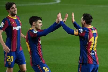 Barcelona segue na briga pelo título (Foto: LLUIS GENE / AFP)