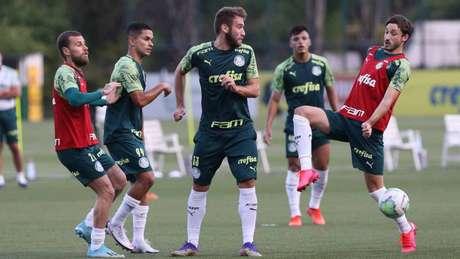 Alan Empereur foi expulso contra o Universitario pela Libertadores (Foto: Cesar Greco/Palmeiras)