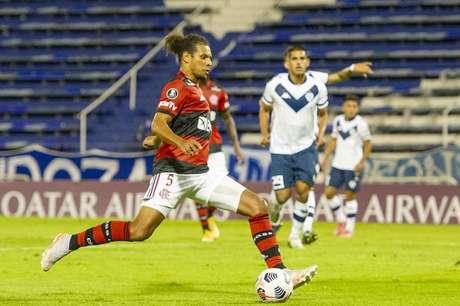 Arão, como zagueiro, foi elogiado em produção da Conmebol Libertadores (Foto: Marcelo Cortes/Flamengo)