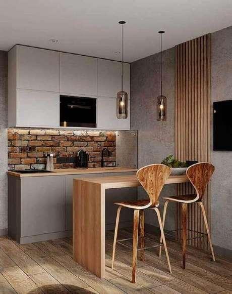 46. Decoração de balcão de cozinha com banquetas de madeira – Foto: Home Fashion Trend