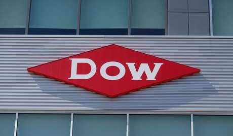 Logo da Dow  em Midland, Michigan  14/5/2015 REUTERS/Rebecca Cook