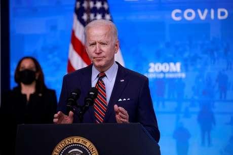 Biden vai propor alta em impostos sobre ganhos de capital para custeio de assistência infantil, dizem fontes. REUTERS/Tom Brenner