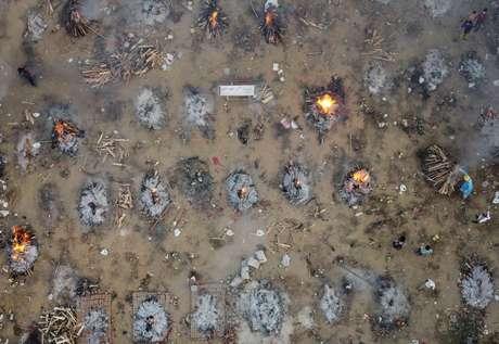 Cremação em massa em Nova Délhi  22/4/2021   REUTERS/Danish Siddiqui