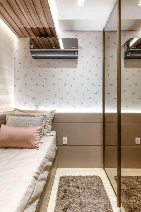 59. Papel de parede para quarto feminino pequeno com estampa de borboletas – Foto: Homify