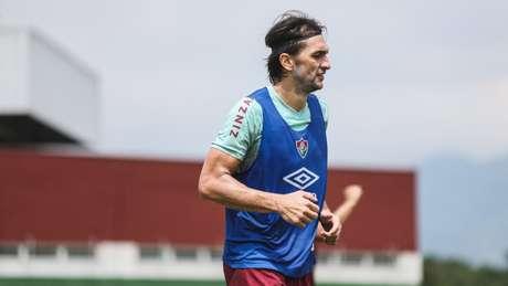 Matheus Ferraz em treino do Fluminense. (Foto: Lucas Merçon/Fluminense FC)