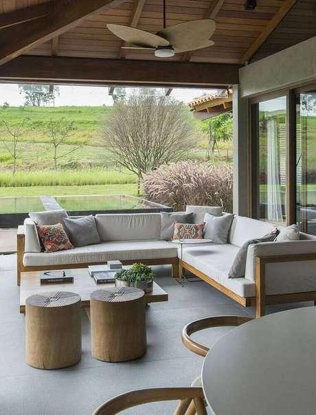 9.Modelo da casa de fazenda moderna.