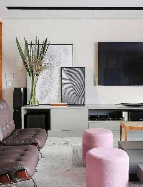 5. Que tal usar os quadros decorativos grandes apoiados sobre algum móvel? – Foto: Home Fashion Trend