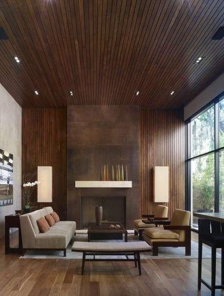 35. O teto e a parede com o forro de PVC para um ambiente mais aconchegante