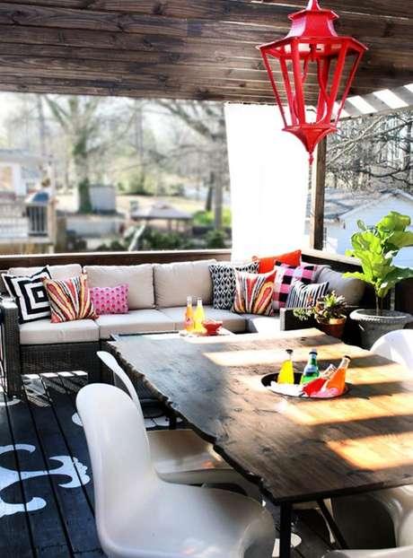 24. Use o forro de PVC de madeira para ter uma decoração mais descolada