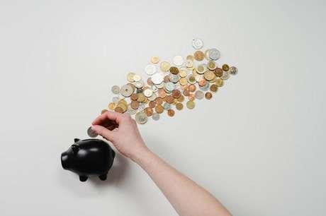Veja 7 simpatias para nunca mais faltar dinheiro -