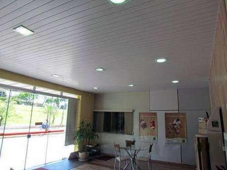 7. Aprenda como instalar forro de PVC é ideal para a ambientes úmidos