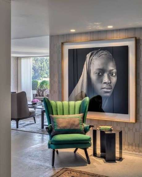 4. Destaque os quadros decorativos grandes com uma boa iluminação – Foto: Pires e Medeiros Arquitetura