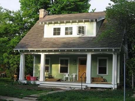 33. Fachada para casa de fazenda simples e pequena