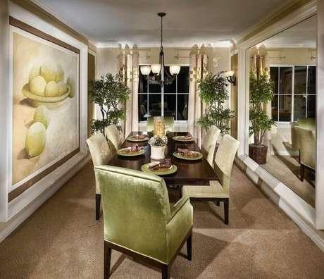 26. Decoração sofisticada com quadros grandes para sala de jantar – Foto: Pinterest