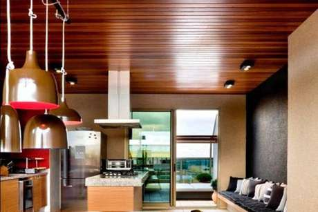 12. Tipos de forro de PVC de madeira escuro