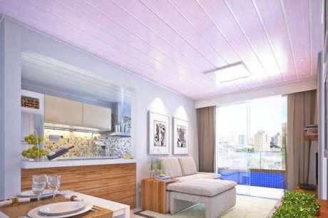 16. Forro de PVC na sala e cozinha – Ambiente aconchegante e lindo!