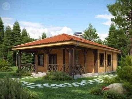 37. As casas de fazenda com varanda pequena também podem ser bem charmosas.