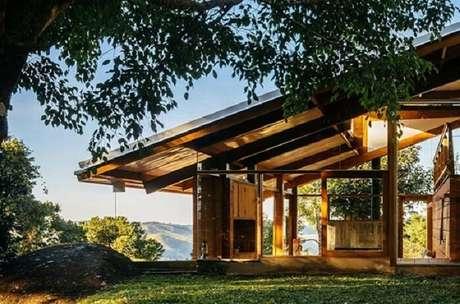 65. Casa de fazenda com estrutura moderna de madeira. Fonte: Pinterest