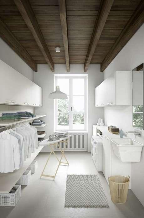 29. O forro de PVC também pode ser colocado em ambientes como a lavanderia