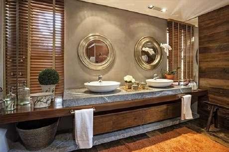 61. Banheiro amplo com decoração rústica. Fonte: Pinterest