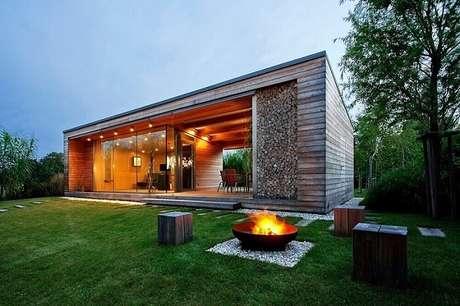 52. Linda e sofisticada fachada de casa de fazenda moderna