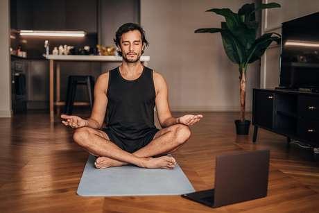 Há alguns hábitos que são valiosos para a meditação e vão lhe ajudar a tornar a prática melhor