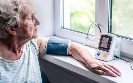 Hipertensão: 3 formas de identificar e 5 para evitar