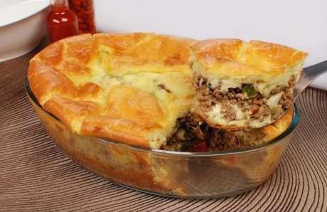 Guia da Cozinha - Torta de carne moída na travessa para aproveitar no final de semana