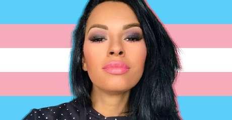Ariadna à frente da bandeira trans: nova oportunidade de fazer história em um reality show